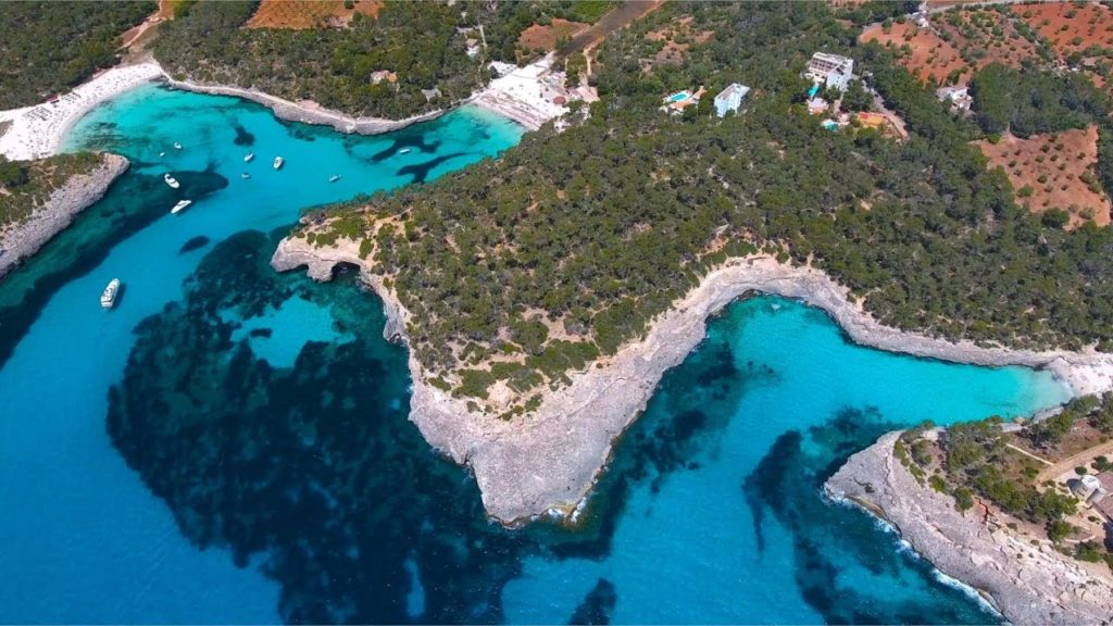how to book a taxi to cala d'or